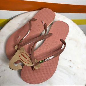 NEW Havaianas blush pink flip flops women's 9/10